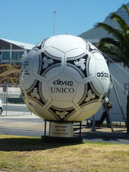world_cup_ball_1990
